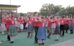 Táncos-zenés mese az égig érő paszulyról