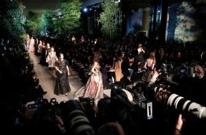 Párizs: tavaszi—nyári haute couture 10 képben!