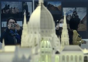 Március 1-jétől ingyenesen megtekinthető az Országház-makett