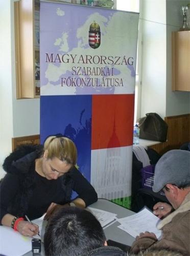 Kihelyezett konzuli fogadónap Törökbecsén