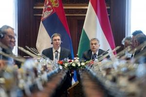 Magyar—szerb kormányülés az Országházban