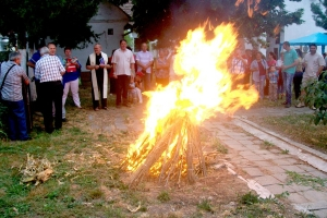 Szent Iván-napi tűzugrás