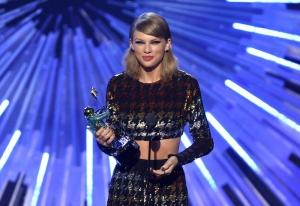 Taylor Swift négyszer...