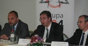 Szerbiának el kell döntenie, melyik uniós példát követi
