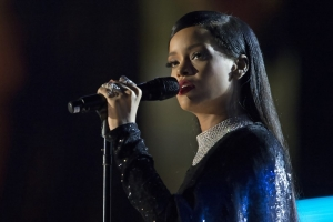 Rihanna már teltházas