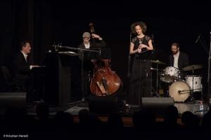 Zentán koncertezett Szalóki Ági