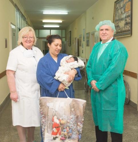 Látogatóban a község első újszülöttjénél