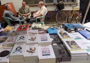 Villámrandi írókkal, könyvekkel – a piacon