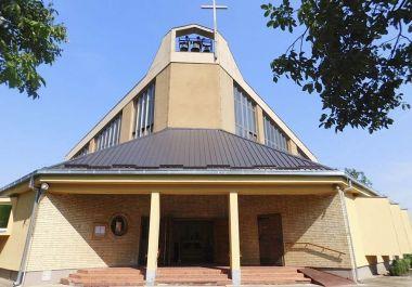 Az aranyfényű templom