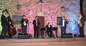 Lemezbemutató koncertet tartott a Juhász Zenekar