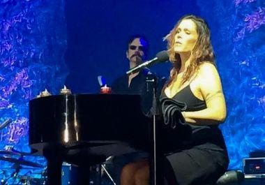 A blues-rock királynője ismét mindenkit lehengerelt