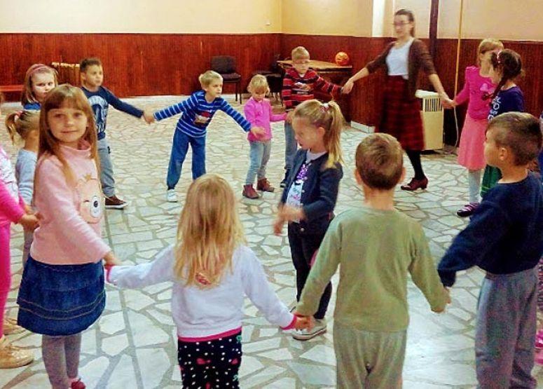A Cifrázó tánccsoport készül az első bemutatkozásra