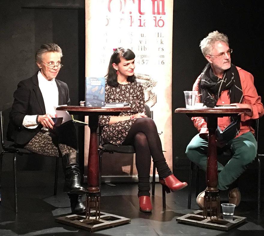 Hét Nap Online - HÍREK KÉPEKBEN - Bíró Tímea budapesti könyvbemutatóján a1d838f014