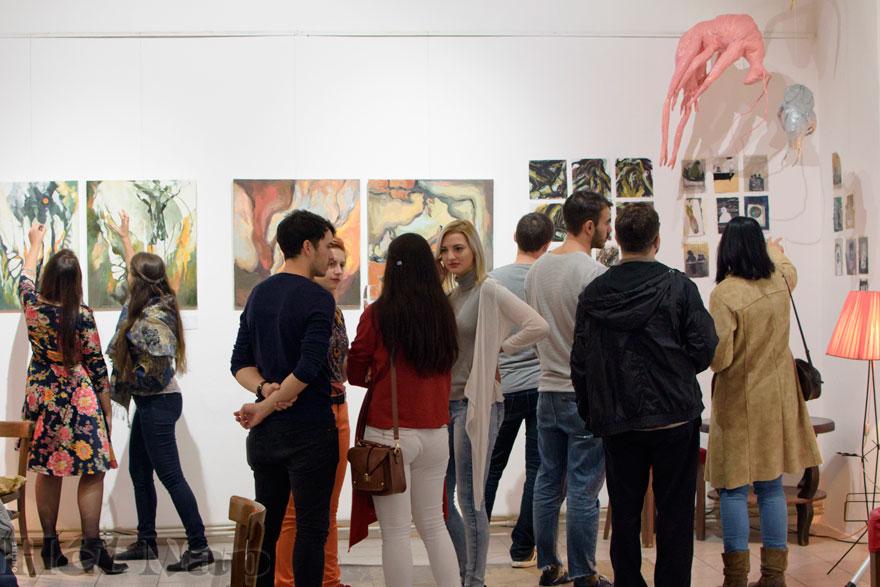 Hét Nap Online - HÍREK KÉPEKBEN - A Híd Kör Art új tagjainak kiállítása 542cfc312c