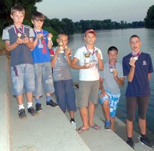 Ifjúsági horgászverseny a Bégán