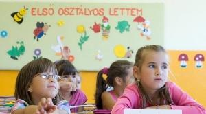 Hány magyar elsős várja az iskolacsengőt?