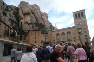 Szakadékok peremén egyensúlyozva: Montserrat