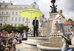 Esterházy Péter nyitotta meg a budapesti rendezvényt
