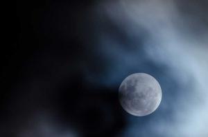 A Hold öregebb lehet az eddig véltnél