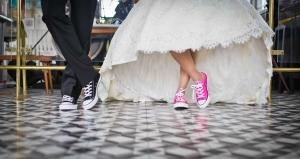 A házasságkötések száma stagnál, a születéseké enyhén emelkedik