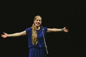 """""""Megesik néha, hogy az utcán hangosabban énekelek, mint kellene"""""""