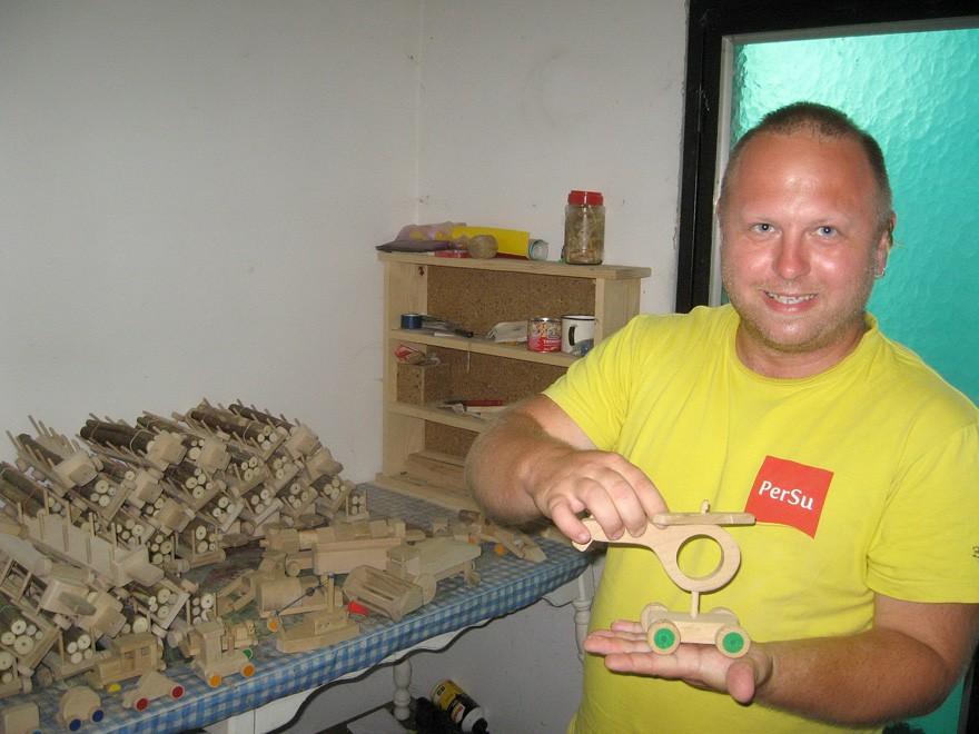 Fa játékok gyártása