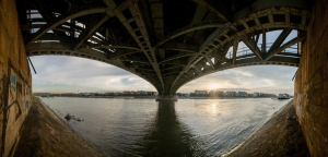 80 éve adták át a Petőfi hidat