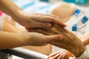 Ki fog gondoskodni a beteg emberekről?