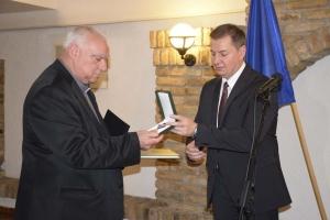 Magyar Arany Érdemkereszt ft. Varga Zoltán muzslyai lelkésznek