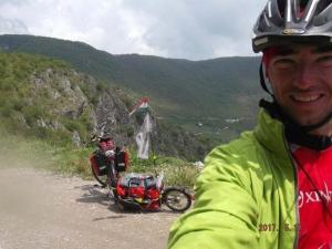 Ezerötszáz kilométer bringával? Benne vagyok!