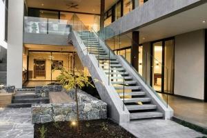 Milyen beltéri lépcsőt válasszunk?
